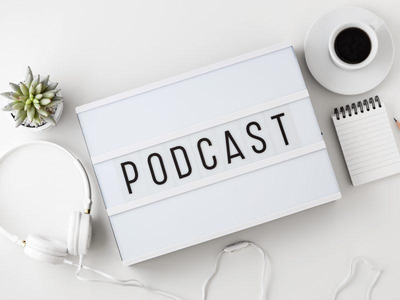 Teresa Montero habla sobre su clínica de podología en Ràdio Desvern